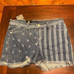 Rock & Republic freedom rock shorts